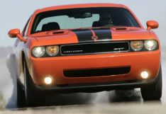 2009-dodge-challenger-srt-8